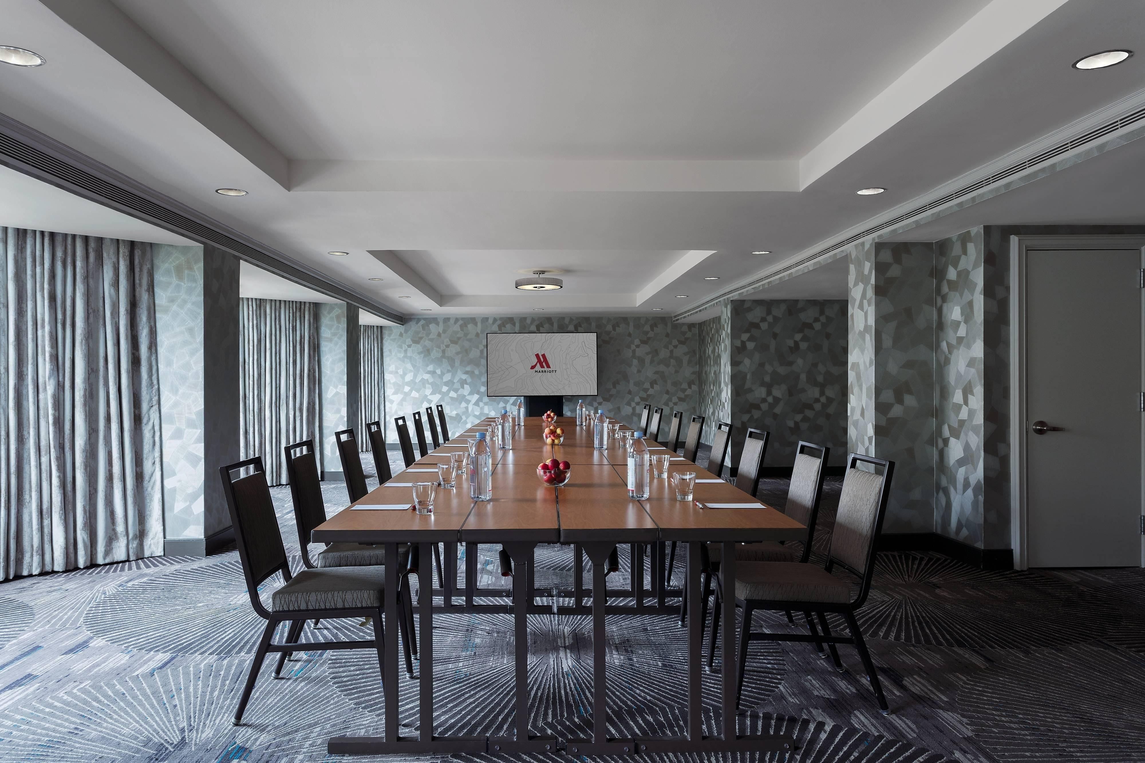 Alexandria Meeting Room - Conference Setup